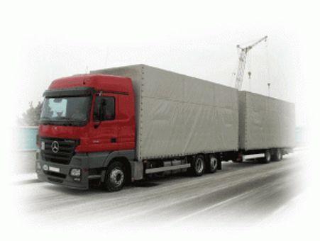 Объемы автоперевозок в России снизились наполовину
