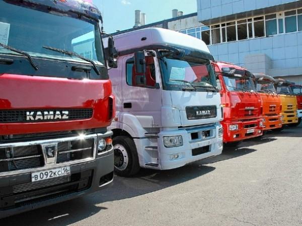 Май 2015. Рынок грузовых автомобилей просел на 53%