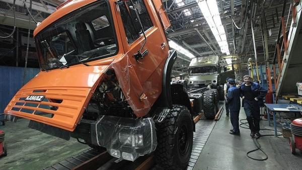 Январь 2015. Российский рынок грузовых автомобилей установил антирекорд.