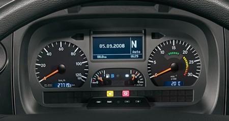 Mercedes-Benz Axor. Комбинация приборов