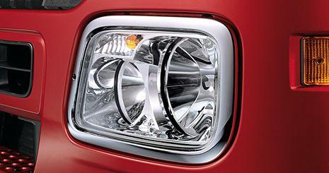 Mercedes-Benz Axor. Фары с прозрачными стеклами