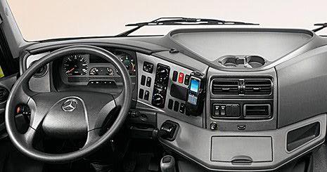 Mercedes-Benz Axor. Вариант приборной панели «Комфорт»